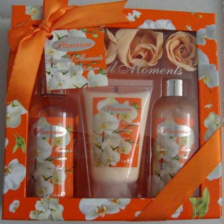 Pachet Promotional VILLAGE COSMETICS Orange cu Flori de Portocal